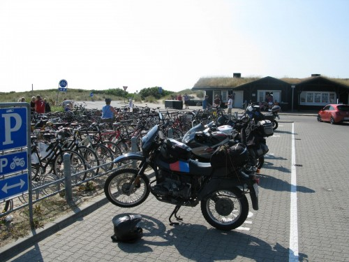 The parking lot at the very tip had a lot of space for motorcycles. Two other BMWs were there.