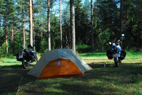 Vi har sovet i telt lige siden dag 2 på turen.