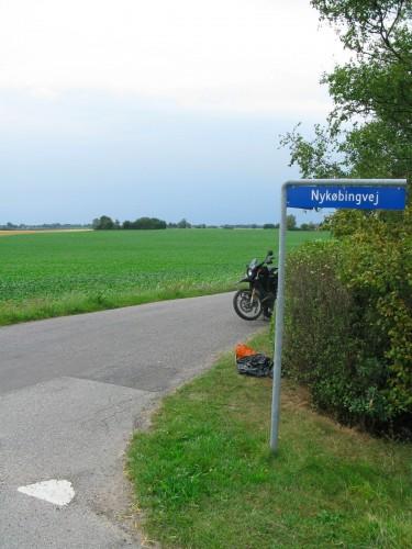 Bob waiting for fuel close to Nørre Alslev