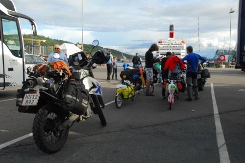Færgen hjem fra Oslo - al respekt for den franske familie foran, som havde cyklet Norge tynd i 3 uger med to små børn.