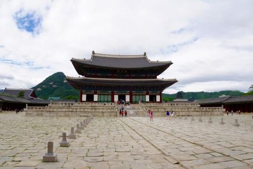 Gyeongbokgung, det største palads i Seoul, hvor kongen boede i århundreder.