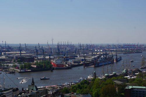 Hamburg har Europas næststørste containerhavn.