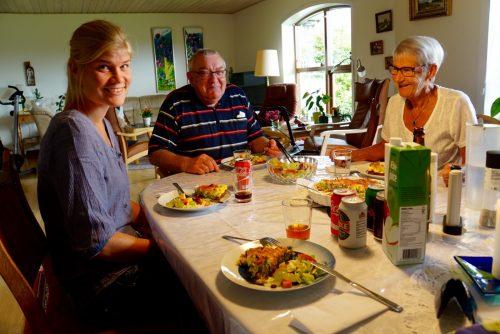 Et mindre festmåltid hos farmor og farfar!