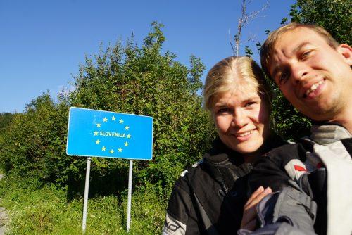 Slovenien-selfie! (ved verdens nok mindste grænseovergang, men der var da et skilt)