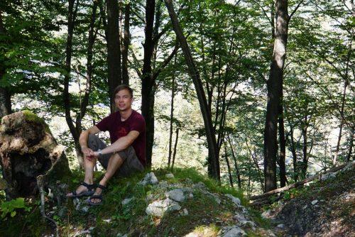 Pause på vandreturen omkring Kobarid - her i udkanten af en romersk landsby.
