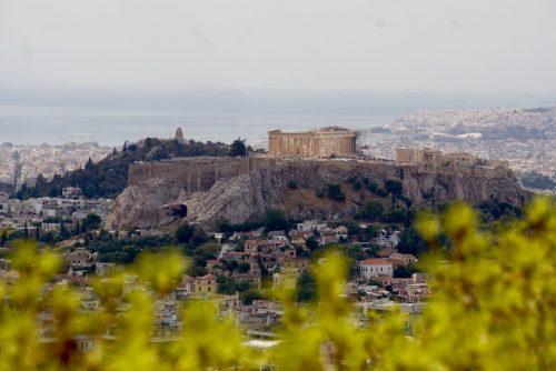 Udsigt til Akropolis fra gåturen til Lykabettoshøjen, Athens højeste punkt.