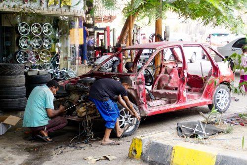 Automekaniker i Egypten.