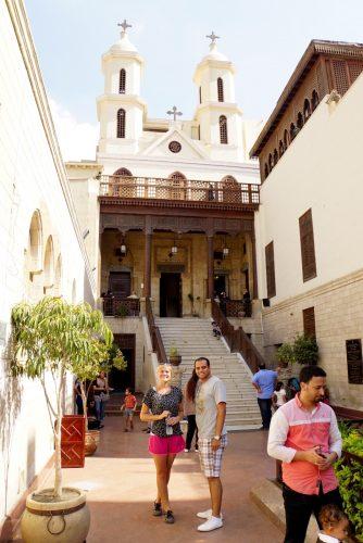 Ude at se kirker med Ahmed, vores private guide og chauffør.