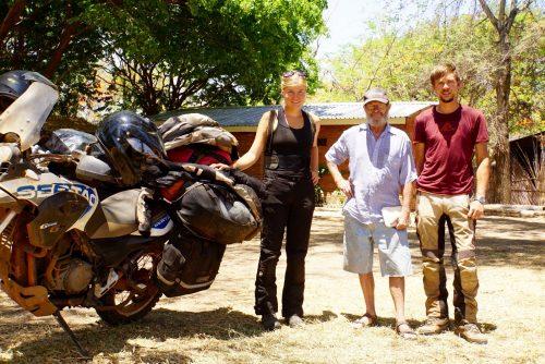 Den meget flinke sydafrikaner, Willie, der er ejer af Hakuna Matata Camp.