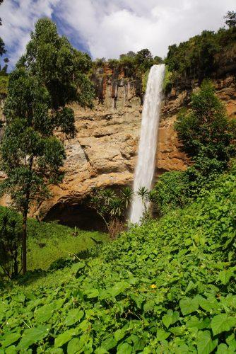 Det største af de tre vandfald i Sipi.