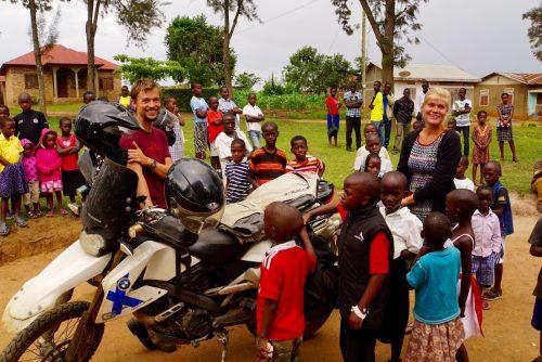 Vi blev bedt om at tage motorcyklerne med i kirke. Det var en succes.