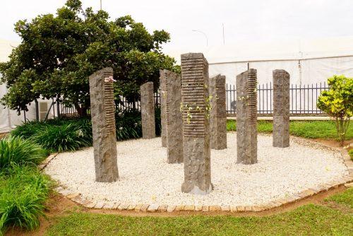 Udover Murambi, besøgte vi tre andre rørende mindesmærker i Rwanda. Her mindes 10 belgiske FN-soldater, der blev bortført og slået ihjel for at tvinge den belgiske regering til at trække tropperne hjem. Det lykkedes, og der var ikke nogen til at stå i vejen for massakren.